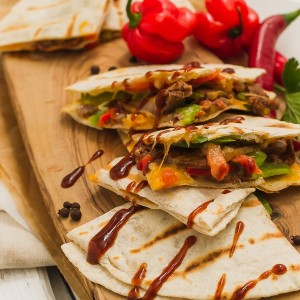 Quesadilla Jerk With Sliced Goat Meat