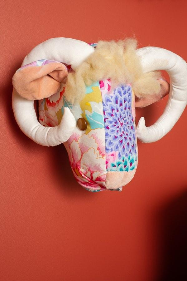 goats head ornimant